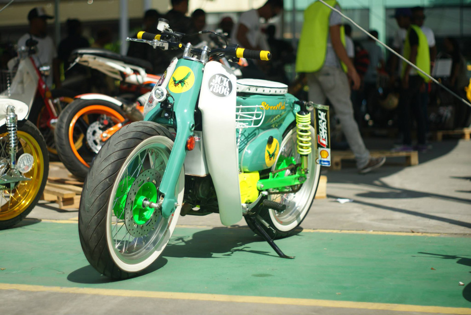 Art of speed 2014 Honda StreetCub - mini4temps.fr