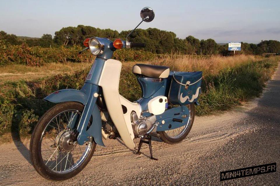 Honda Cub C50M - mini4temps.fr
