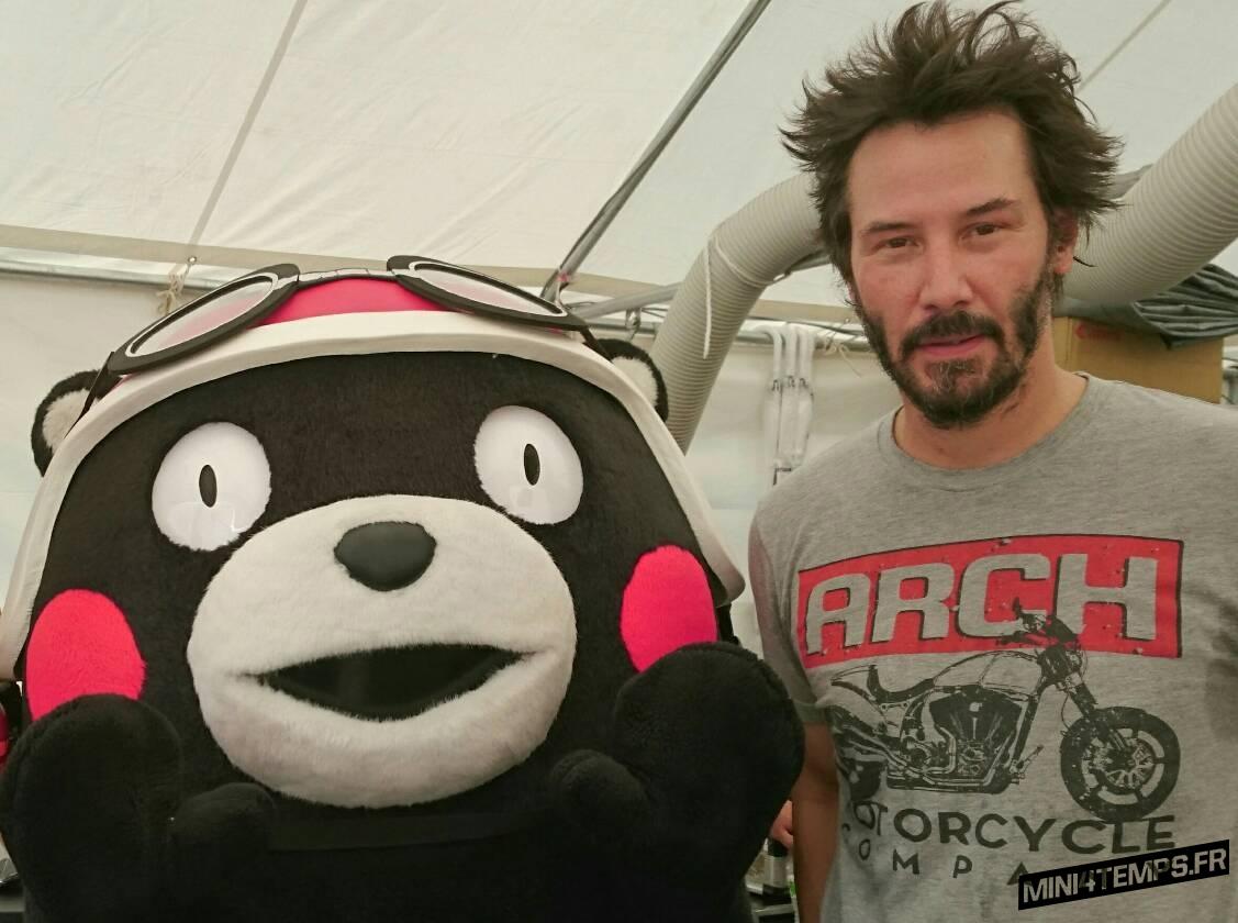 Quand Kumamon rencontre Keanu Reeves à Suzuka - mini4temps.fr