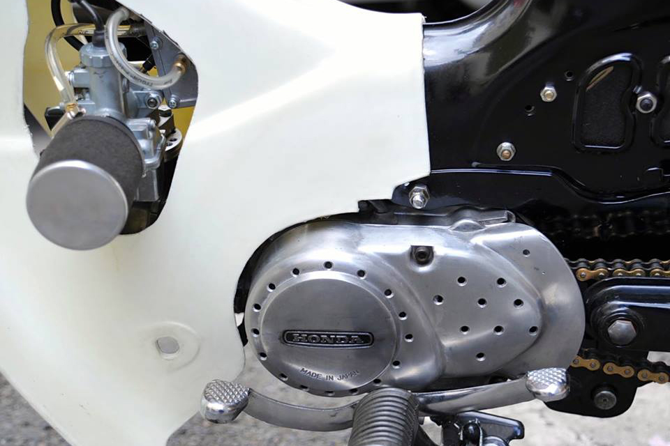 Honda Cub C90 by Dauphine-Lamarck - mini4temps.fr