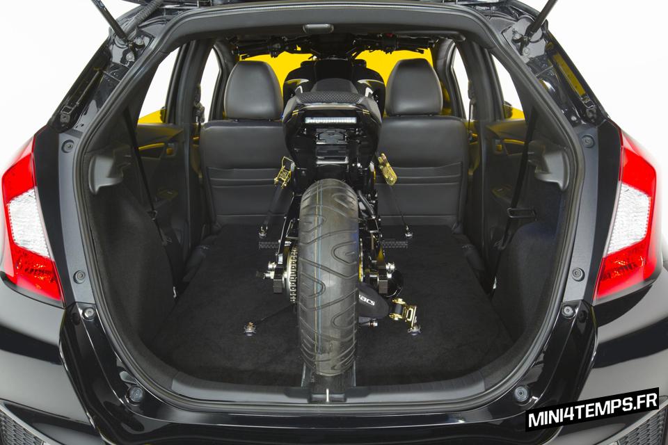 Un Honda City Turbo avec un Honda MSx 125 dans le coffre ! - mini4temps.fr