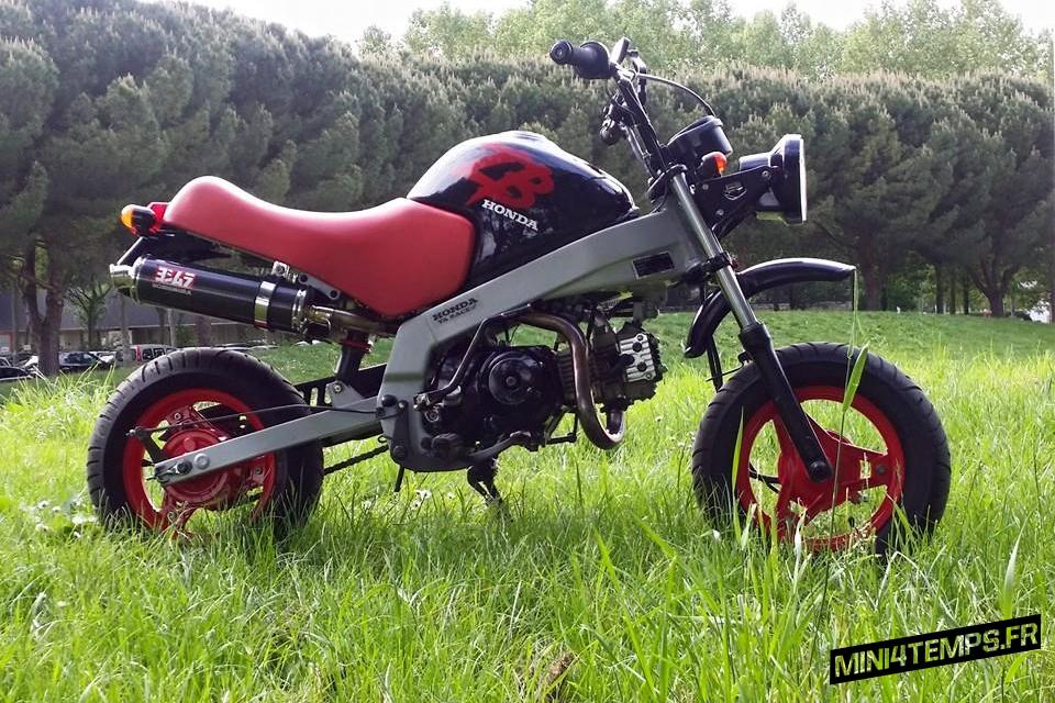 Honda ZB Noir et Rouge - mini4temps.fr