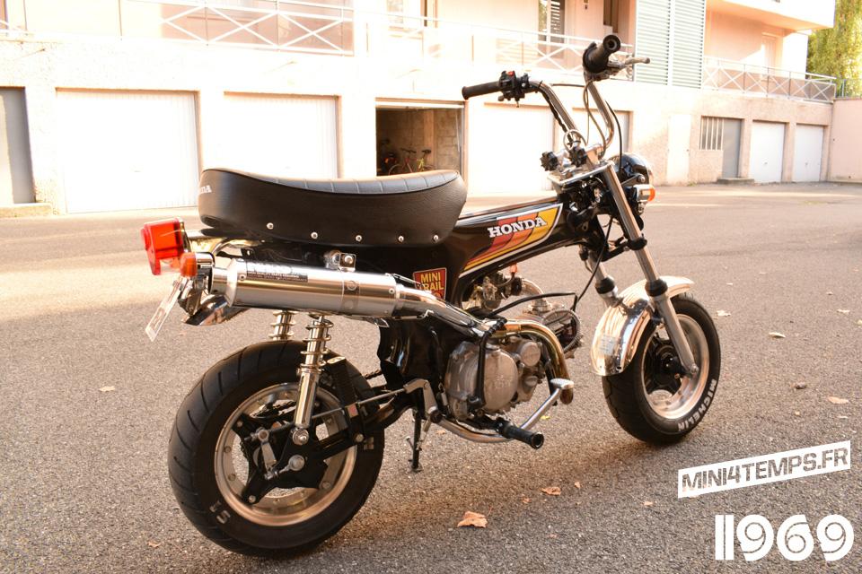 Honda Dax ST70 Atelier 1969 - mini4temps.fr