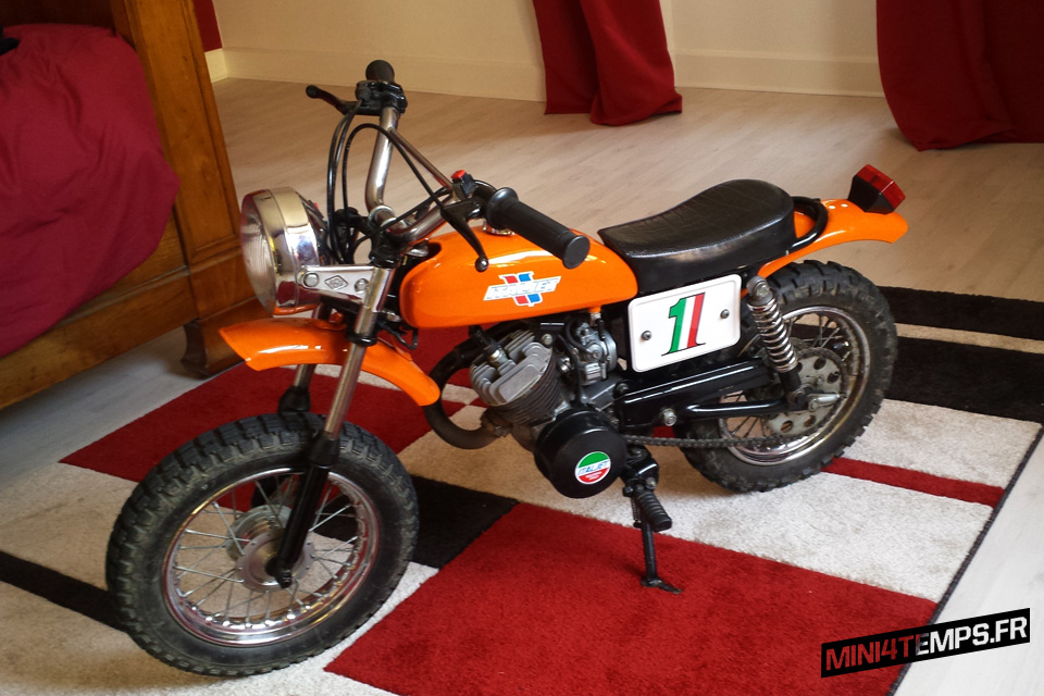 Italjet 50cc orange de 1970 - mini4temps.fr