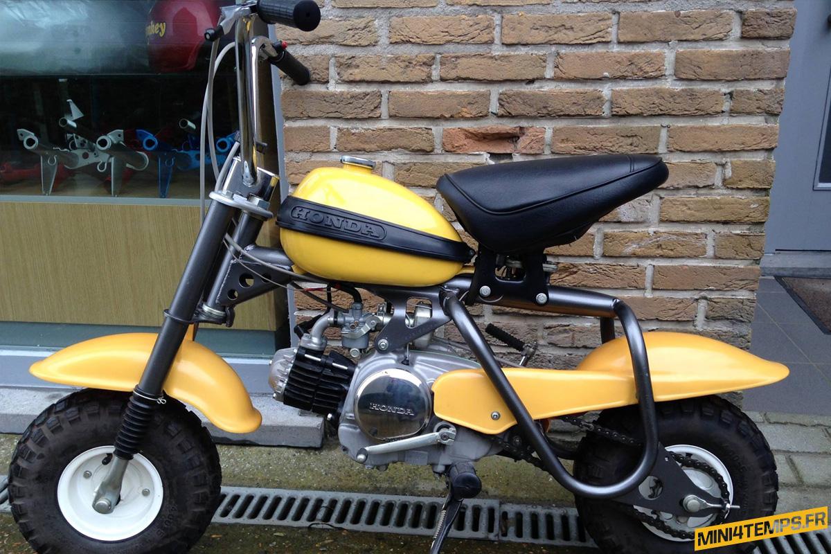 Honda QA50 Jaune de Corky - mini4temps.fr