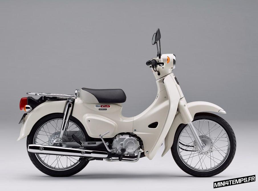 Un Super Cub C100 pour fêter les 60 ans du Cub! - mini4temps.fr