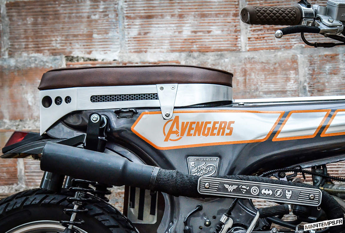 "Honda Dax 125 ""Avengers"" by Creativ Garage - mini4temps.fr"
