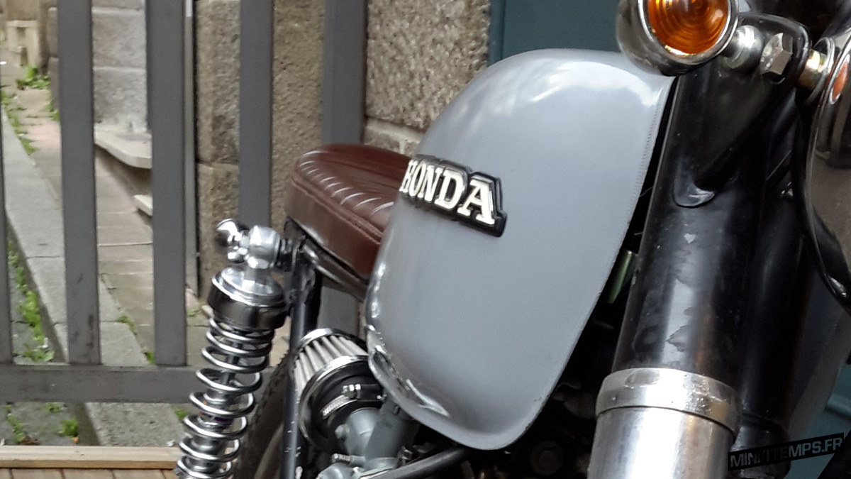 "Brat Honda CG 125 ""Greyhound"" by Momotocustom - mini4temps.fr"