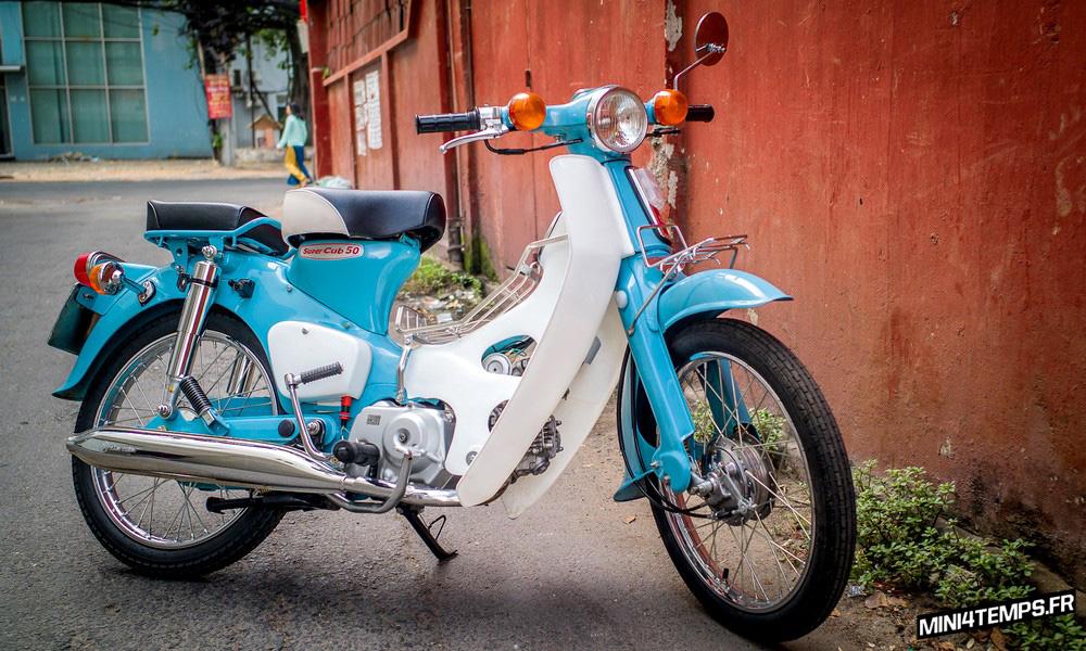 Honda Super Cub par Vintage Honda Cub - mini4temps.fr