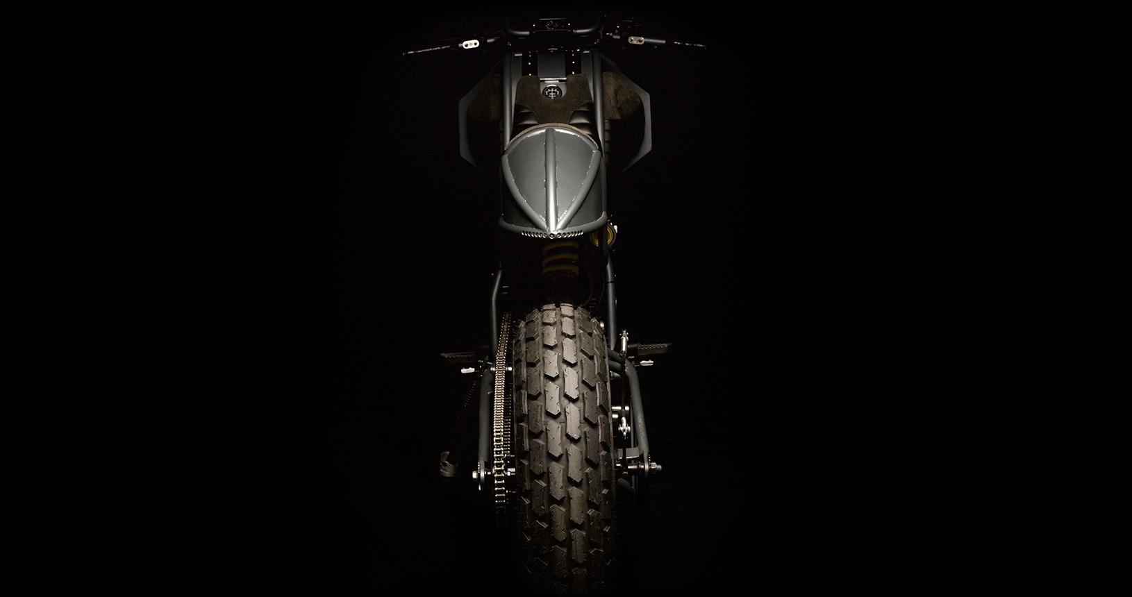 """La Yamaha TW 125 """"Tank"""" de l'Atelier Medusa - mini4temps.fr"""