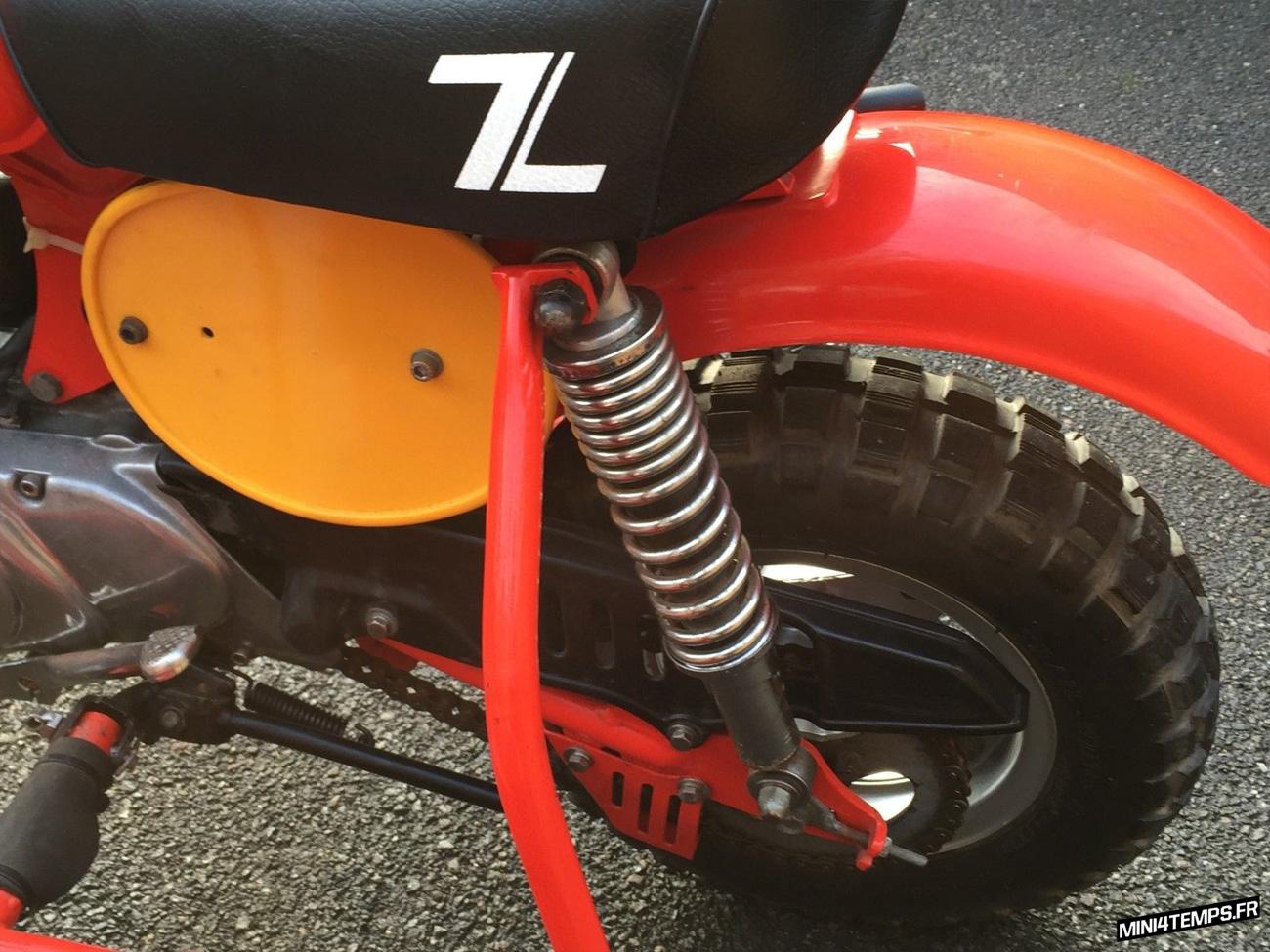 Le Honda Monkey Z50R Side Car de MetricMotorcycles - mini4temps.fr