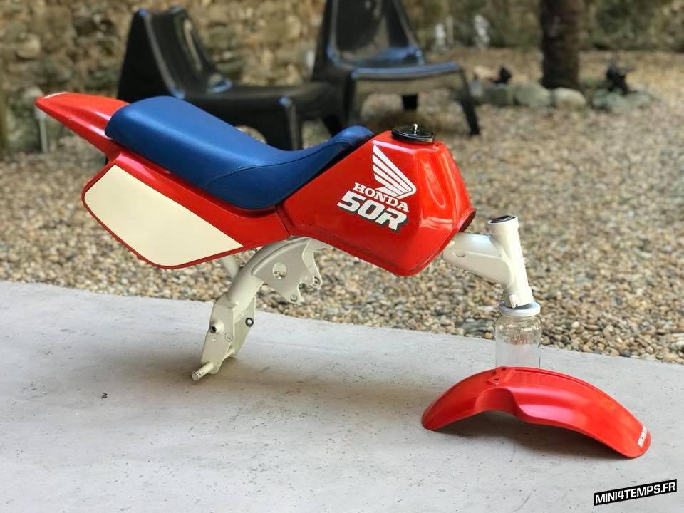 Body kit de Honda Monkey Z50R de 1989 very rare - mini4temps.fr