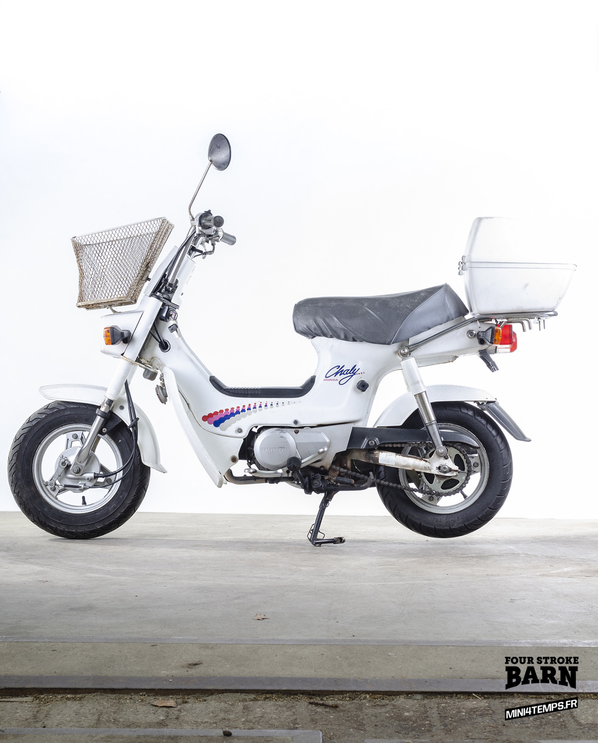 Le Honda Chaly white de Four Stroke Barn - mini4temps.fr