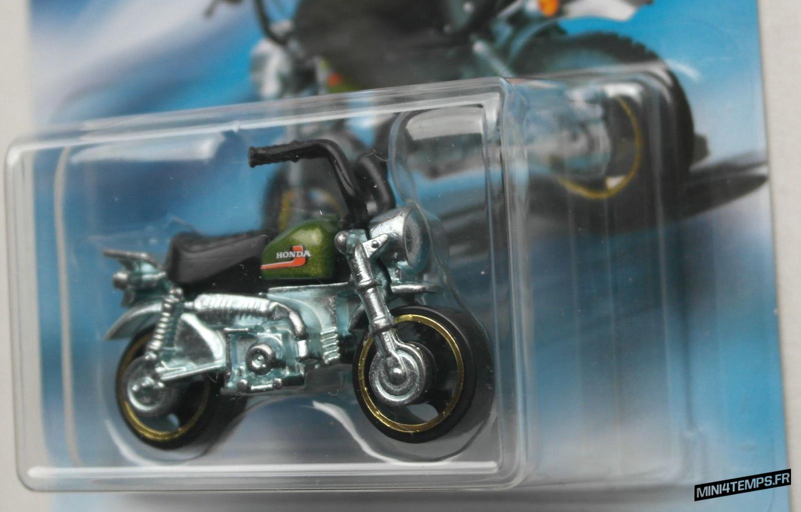 Honda Monkey Z50 2018 chez Hotwheels - mini4temps.fr
