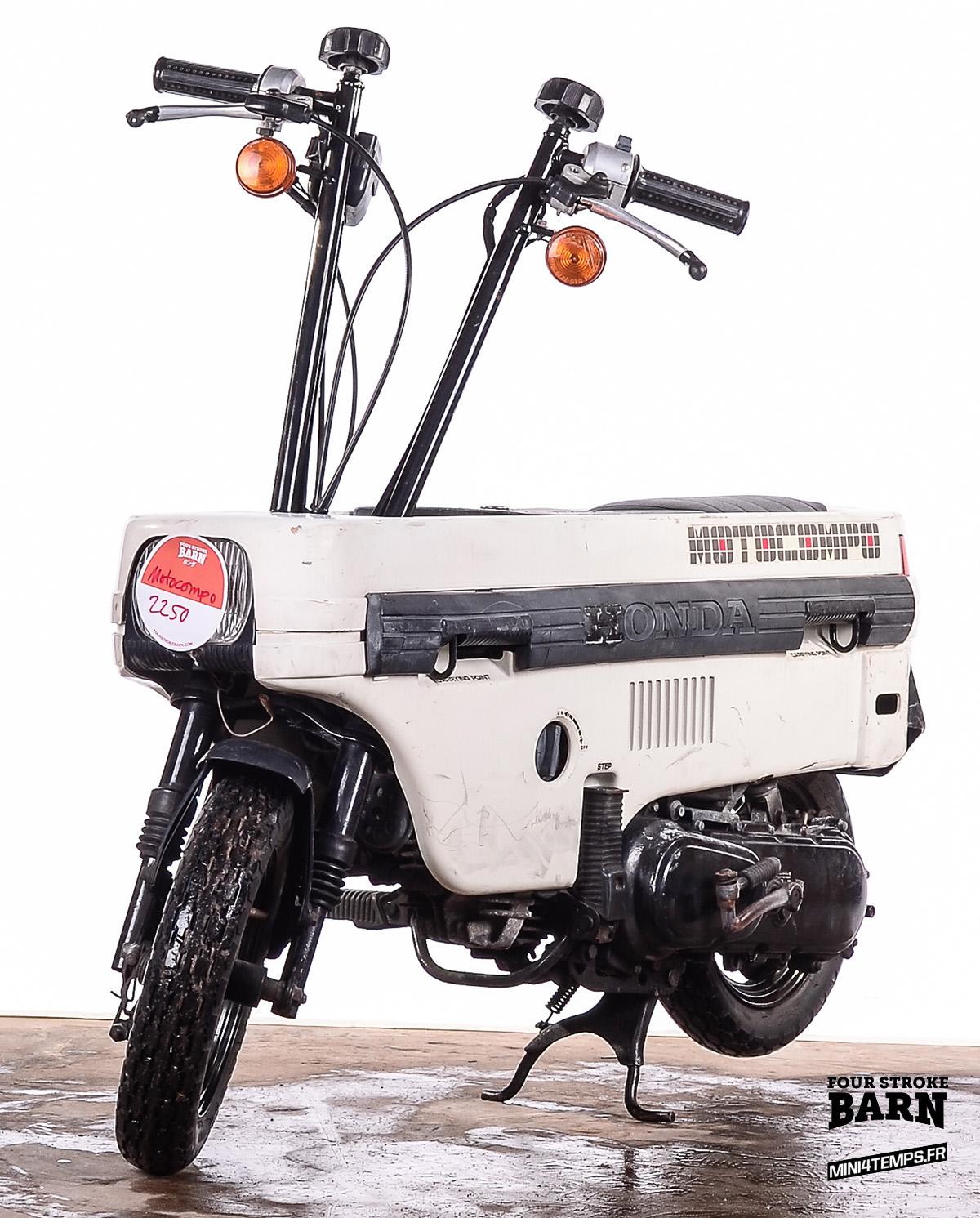 A VENDRE : Deux Honda Motocompo chez Four Stroke Barn - mini4temps.fr