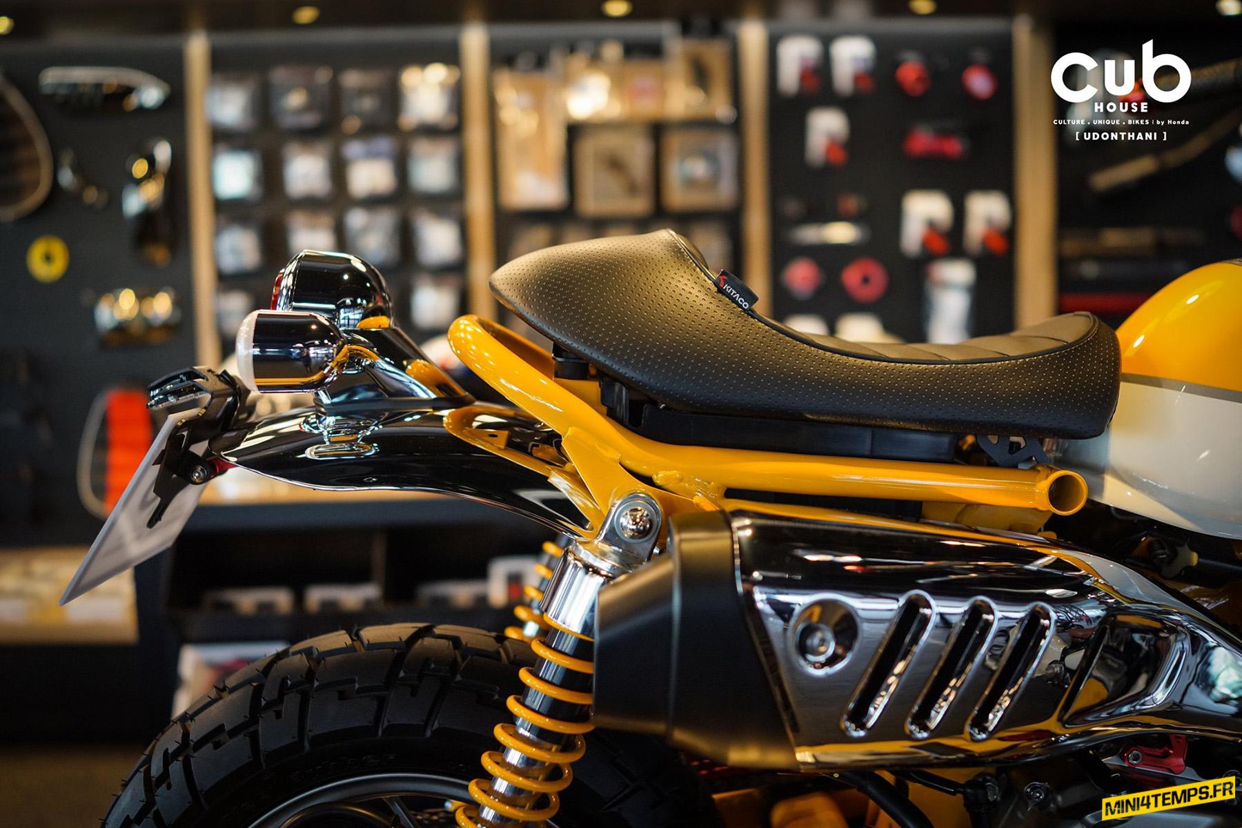Yellow Honda Monkey full Kitaco du CUB House Udonthani by Nat - mini4temps.fr