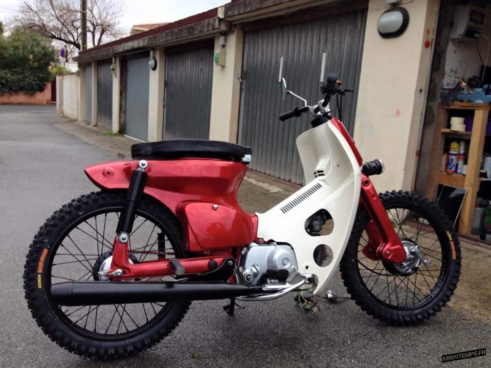 Honda Cub Rouge - mini4temps.fr