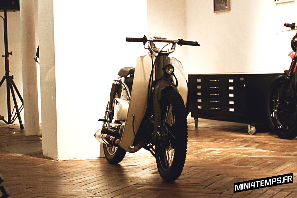 Le Honda Cub C50 de Dauphine-Lamarck - mini4temps.fr