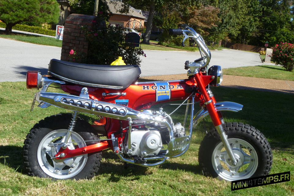 Honda CT70 Trail70 de 1972 Candy Ruby Red - mini4temps.fr