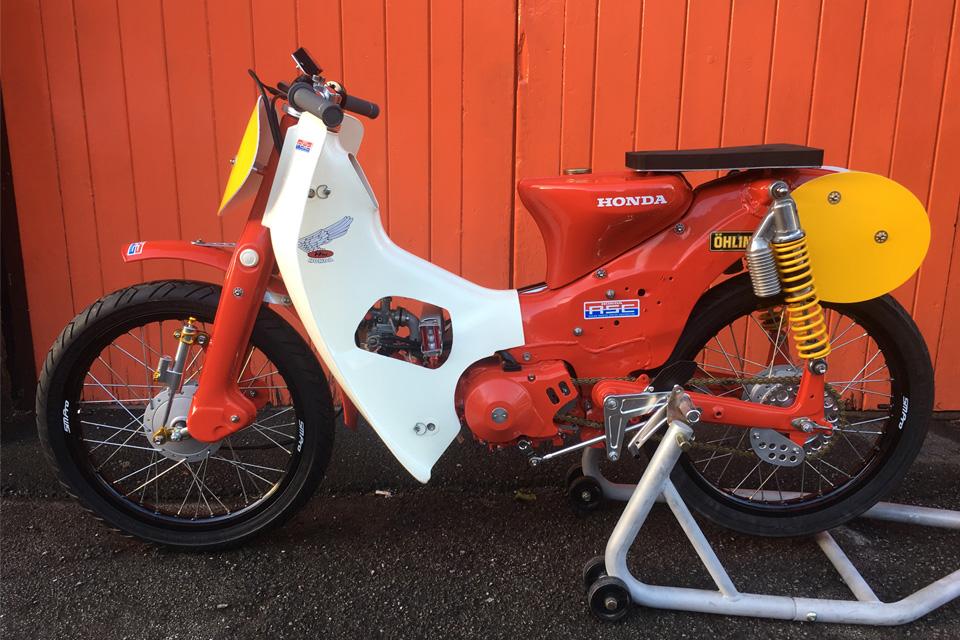 Le Honda C90 Cub race bike de Tim - mini4temps.fr